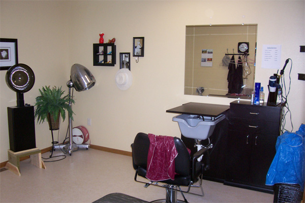 Beauty Shop at Riverside in Royalton